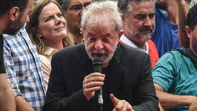 """24 horas fin de semana - 20 horas - Lula se declara libre y con """"deseos de lucha"""" - Escuchar ahora"""