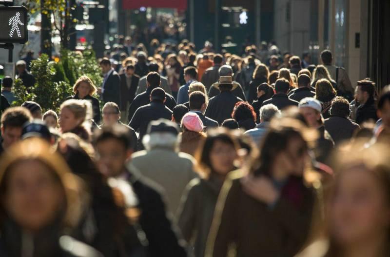 Boletines RNE - Casi la mitad de los catalanes rechaza la independencia, según una encuesta del Centre de Estudios de Opinión de la Generalitat (CEO) - Escuchar ahora