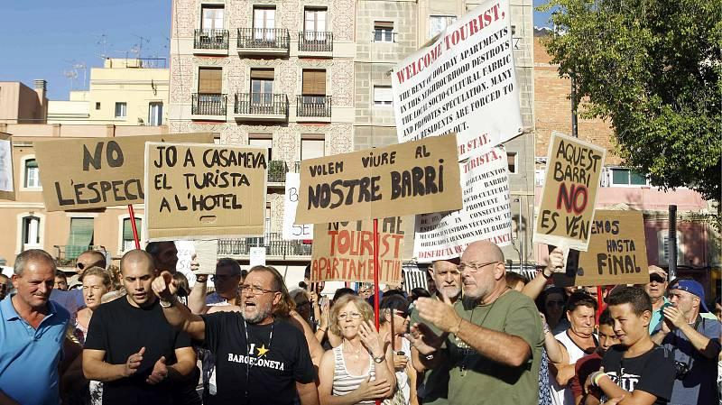 14 horas - Barcelona prohíbe la apertura y ampliación de pisos turísticos - Escuchar ahora