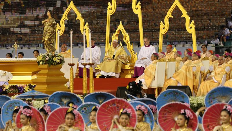 El Papa Francisco hace un llamamiento a proteger la ¿dignidad¿ de los niños en Tailandia - escuchar ahora