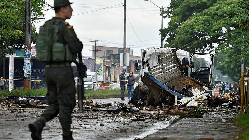 Toque de queda de Bogotá y el Ejército en las calles - Escuchar ahora