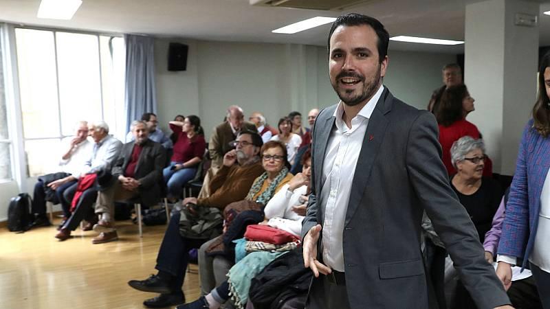 Boletines RNE - Las bases de IU apoyan el acuerdo con el PSOE - Escuchar ahora