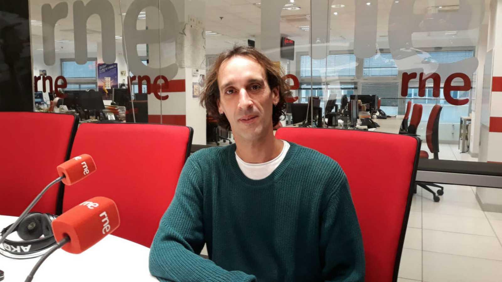 """El gallo que no cesa- Rubén Olmo: """"Mi objetivo es difundir la danza española"""" - Escuchar ahora"""