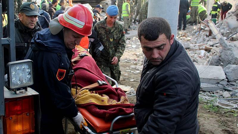 Boletines RNE - Continúan los trabajos de rescate en Albania - Escuchar ahora