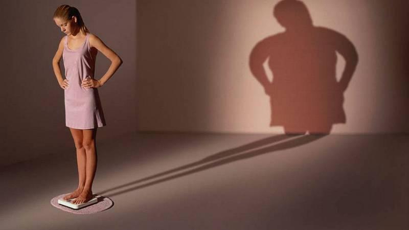 La anorexia y la bulimia la tercera causa de enfermedad crónica entre los jóvenes - Escuchar ahora