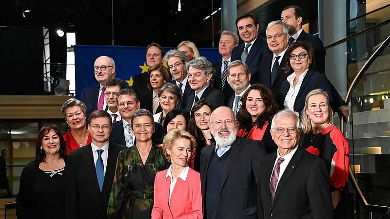 14 horas fin de semana - Un nuevo equipo liderado por Ursula von der Leyen toma el mando de la Comisión Europea - Escuchar ahora