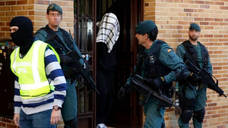 Boletines RNE - Marruecos y España desmantelan una célula terrorista leal al ISIS - Escuchar ahora
