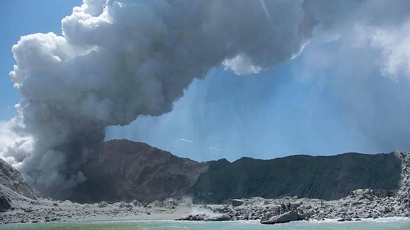 Todo Noticias Mañana - Al menos cinco muertos y 20 heridos por la erupción de un volcán en Nueva Zelanda - Escuchar ahora