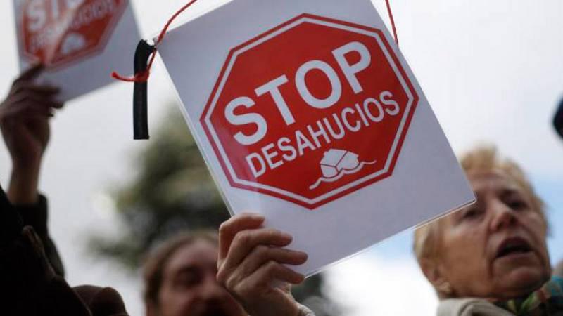 """Las mañanas de RNE con Íñigo Alfonso - Desahucios: """"Nadie está haciendo nada, y es urgente"""" - Escuchar ahora"""
