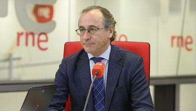 """Las mañanas de RNE con Íñigo Alfonso -  Alfonso Alonso (PP): """"La sociedad se ha radicalizado y a los que no lo hemos hecho nos acusan de flojos""""  - Escuchar ahora"""