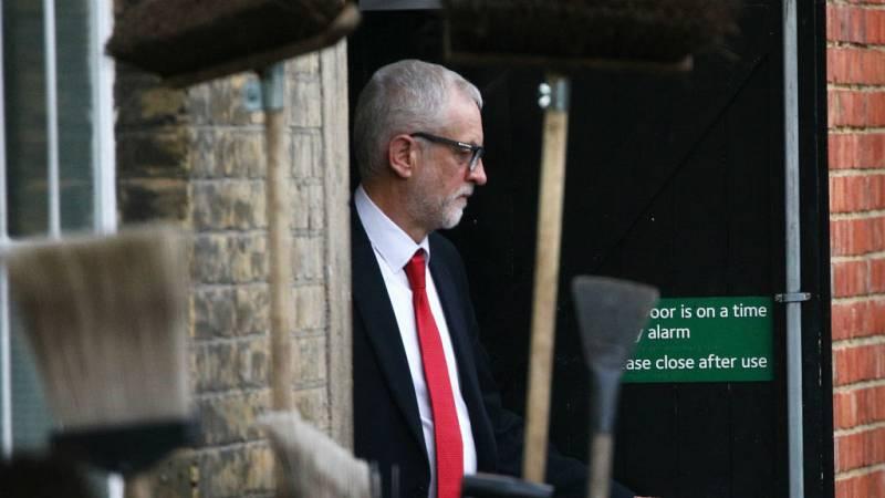 Cinco continentes - El fin del aspirante Corbyn - Escuchar ahora