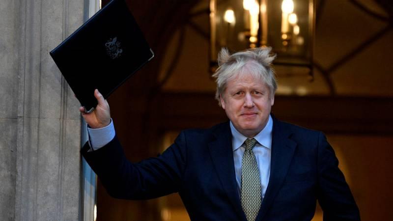 Cinco continentes - Johnson estrena mayoría absoluta - Escuchar ahora