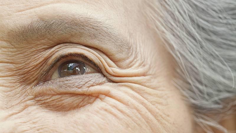 Todo Noticias Tarde - Los mayores LGTBI sufren más la soledad - Escuchar ahora