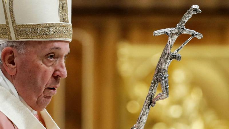 Boletines RNE - El papa elimina el secreto de confesión para los abusos a menores en la Iglesia - Escuchar ahora