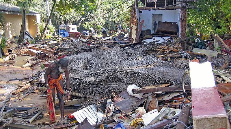 Las mañanas de RNE con Íñigo Alfonso - 15 años del tsunami que arrasó el sudeste asiático - Escuchar ahora