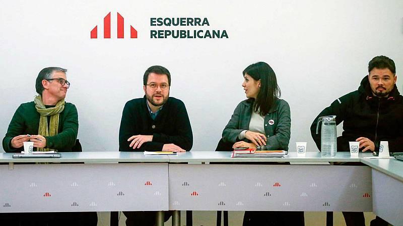 Boletines RNE - ERC y PSOE pactan una consulta para avalar los acuerdos de la mesa de negociación - Escuchar ahora