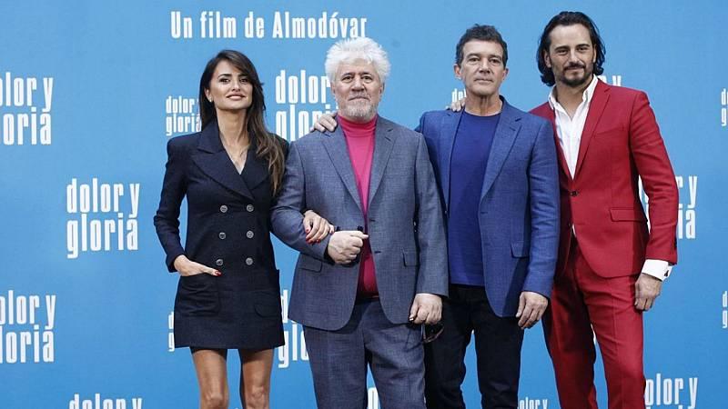 Boletines RNE - 'Dolor y Gloria' y Antonio Banderas se quedan sin Globos de Oro - Escuchar ahora