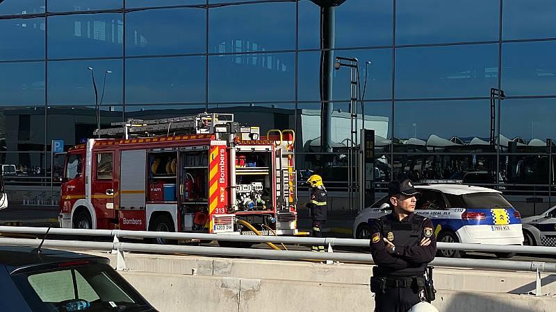Boletines RNE - Un incendio en el aeropuerto de Alicante obliga a su evacuación y a la restricción de vuelos - Escuchar ahora