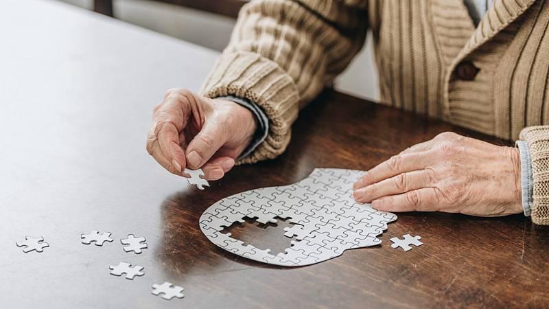 Respuestas de la ciencia - ¿Son los enfermos de alzheimer como niños? - 17/01/20 - Escuchar ahora