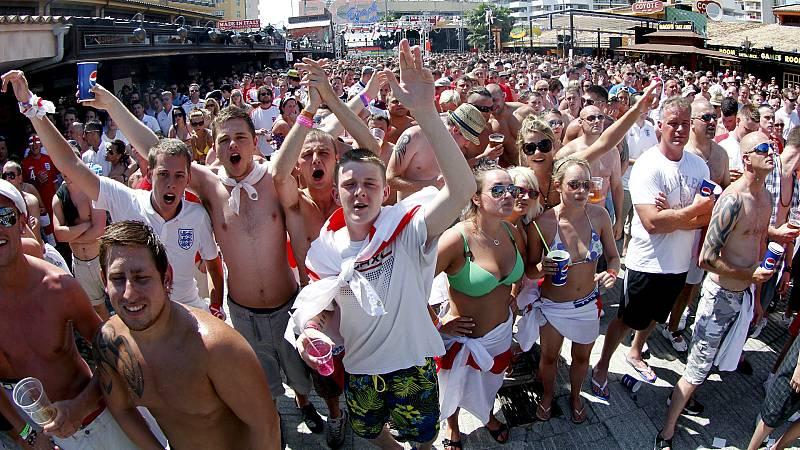 14 horas - Baleares pone coto al turismo de borrachera y expulsará a los que hagan 'balconing' - Escuchar ahora