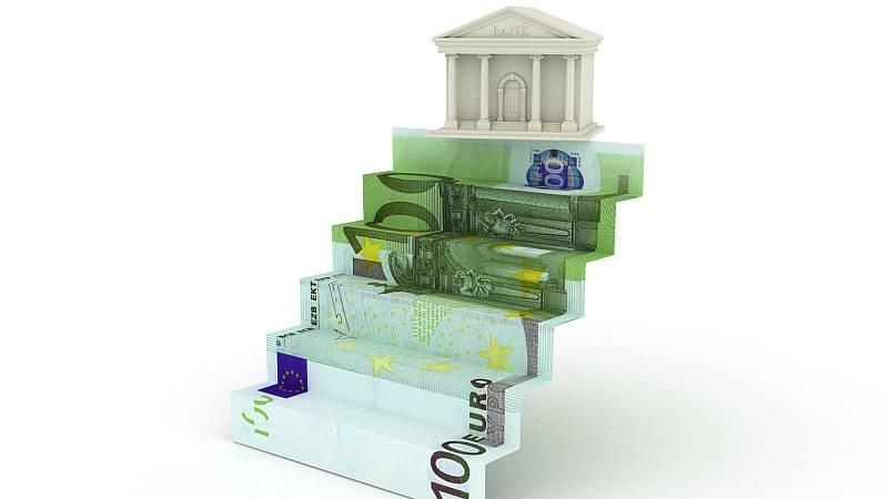 Boletines RNE - Primera vez en 10 años que baja la morosidad de la banca - Escuchar ahora