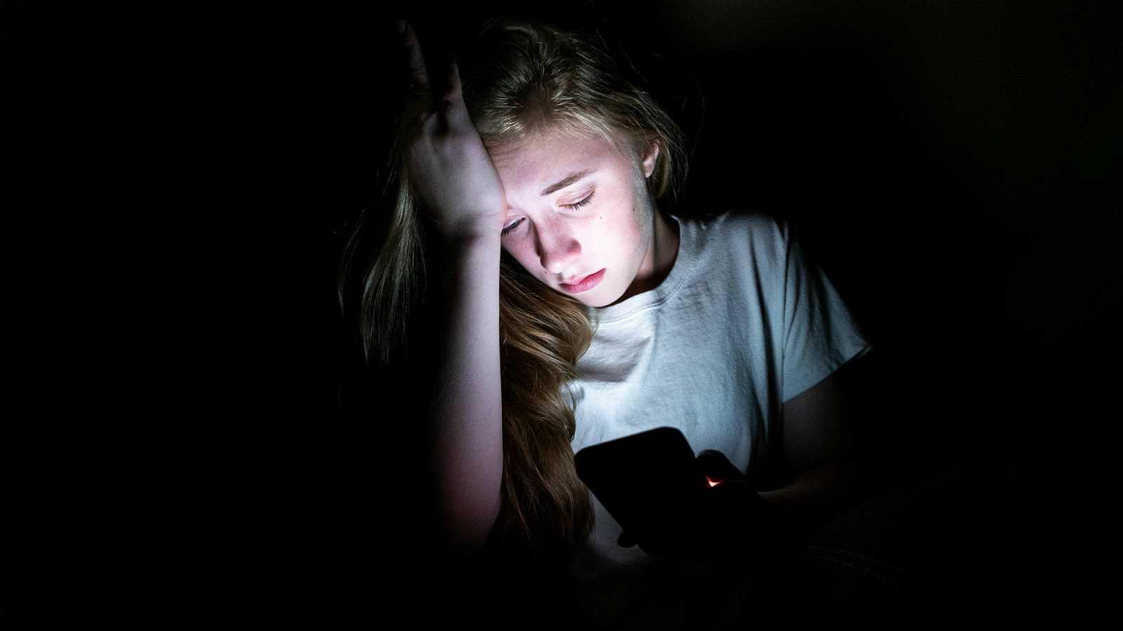 Mamás y papás - Ciberacoso (II): Atacar al virus que causa el mal - 25/01/20 - Escuchar ahora