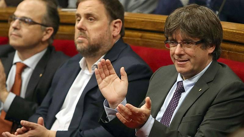 Boletines RNE - 4.100.000 euros exige el Tribunal de Cuentas por el referéndum ilegal - Escuchar ahora