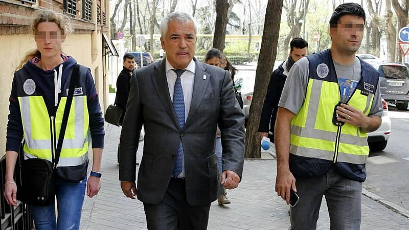 Las mañanas de RNE con Íñigo Alfonso - Comienza el juicio por extorsión contra Ausbanc y Manos Limpias - Escuchar ahora