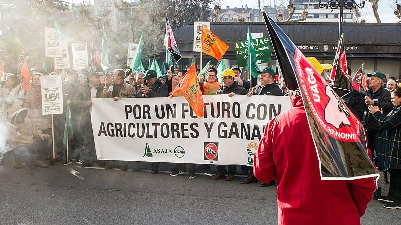 14 horas - Los agricultores se manifiestan para exigir precios justos - Escuchar ahora