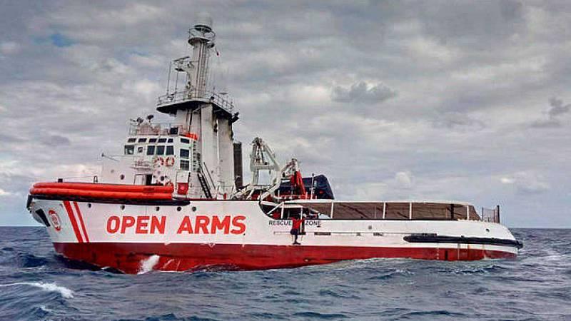 Boletines RNE - El Open Arms navega ya con 282 personas en busca de un puerto seguro - Escuchar ahora