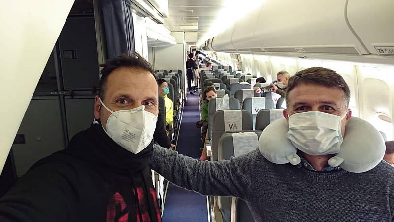 Las mañanas de RNE con Íñigo Alfonso - Los españoles de Wuhan vuelan hacia España con escala en Reino Unido - Escuchar ahora