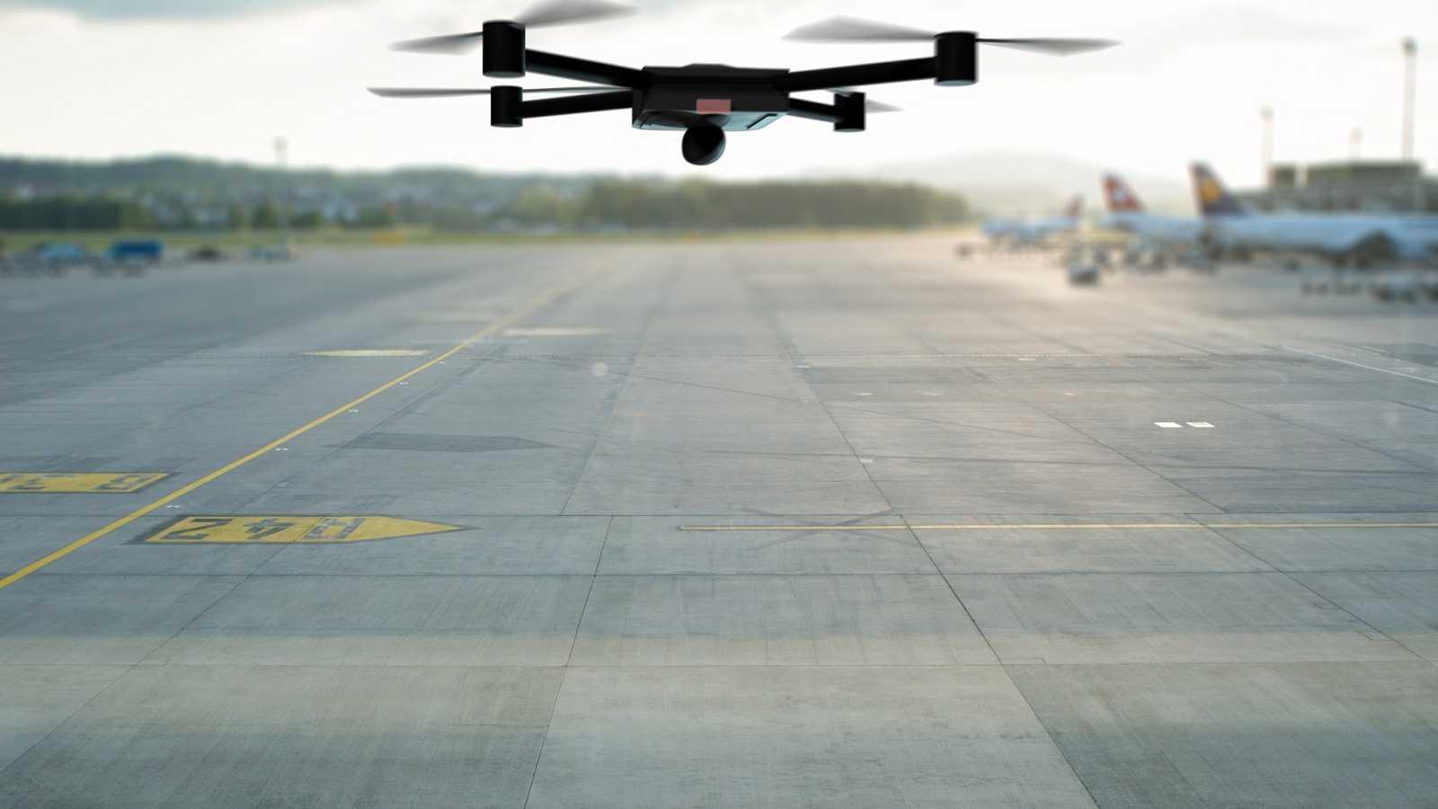 """Todo noticias mañana - Piloto: """"Está prohibido volar drones a menos de 8 kilómetros de un aeropuerto"""" - Escuchar ahora"""