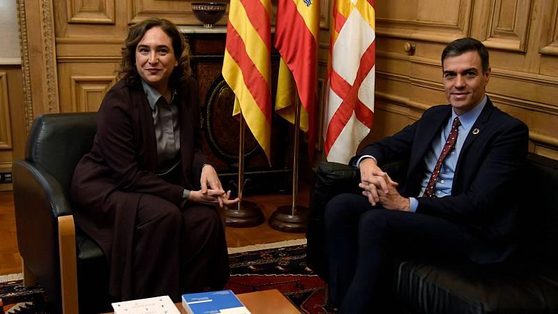 Boletines RNE - Pedro Sánchez, reunido con la alcaldesa de Barcelona, Ada Colau - Escuchar ahora