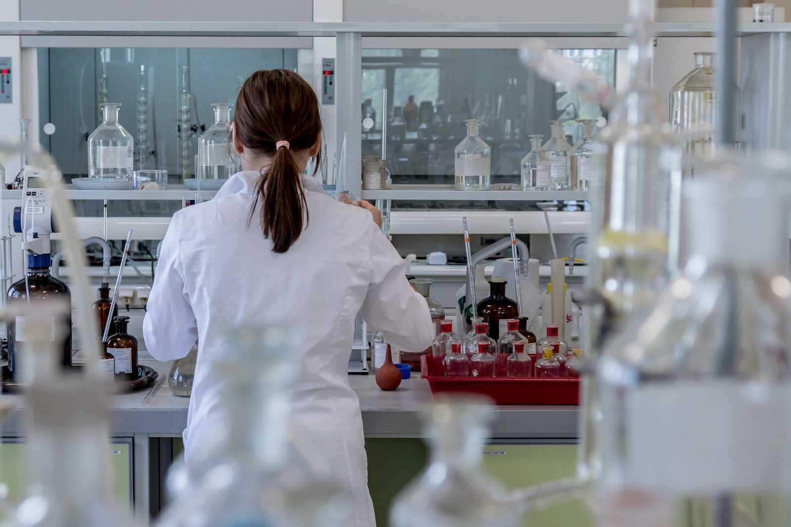 Las mujeres, invisibles en la ciencia - Escuchar ahora