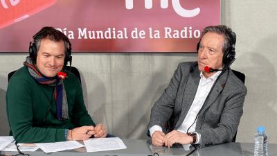 Las mañanas de RNE con Íñigo Alfonso - Día Mundial de la Radio   Entrevista a Iñaki Gabilondo y Julio César Iglesias - Escuchar ahora