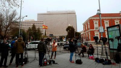 Las mañanas de RNE - Oliver, aislado 14 días en el hopistal Gómez Ulla de Madrid por el coronavirus - Escuchar ahora