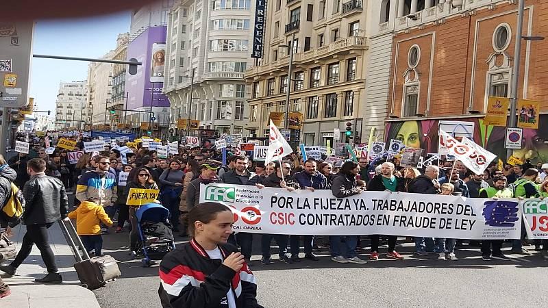 14 horas fin de semana - Los empleados públicos salen a la calle para reclamar fijeza en sus puestos - Escuchar ahora