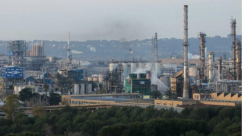 Las mañanas de RNE con Íñigo Alfonso - Huelga contra la precariedad en la industria petroquímica de Tarragona - Escuchar ahora