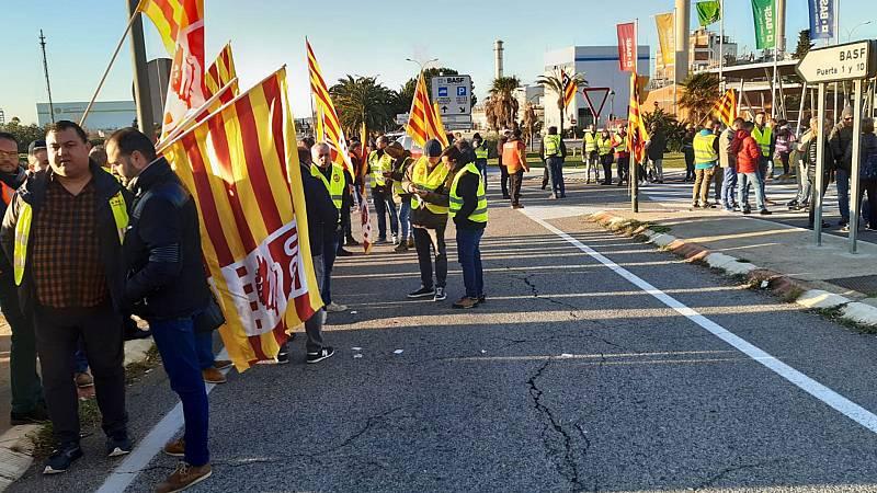 Las mañanas de RNE con Íñigo Alfonso - Jornada de huelga en la industria petroquímica de Tarragona - Escuchar ahora