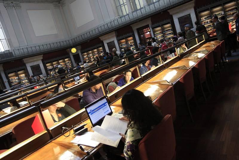 Biblioteca Nacional: Mucho más que libros - Sus trabajadores - Escuchar ahora