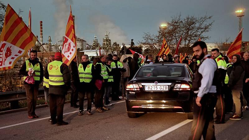 14 horas - Jornada de huelga general masiva en la petroquímica de Tarragona para denunciar la inseguridad - Escuchar ahora
