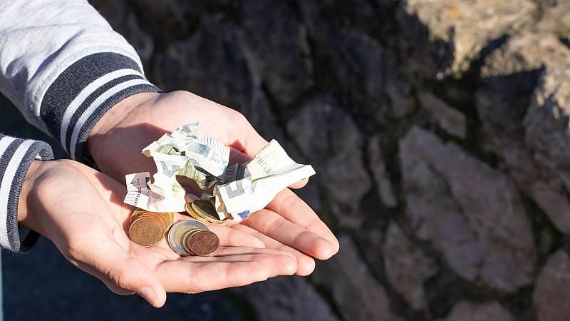 """Las mañanas de RNE con Íñigo Alfonso - Oxfam Intermon : """"Una renta mínima es perfectamente viable"""" - Escuchar ahora"""