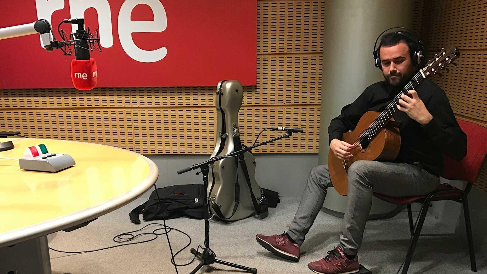 Entre dos luces - La guitarra de Rojas-Ogáyar - 21/02/20 - escuchar ahora