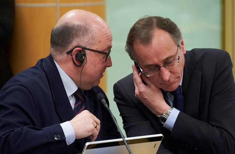 Boletines RNE - PP y Cs firman en Madrid el acuerdo de coalición sin nombrar a Alfonso Alonso - Escuchar ahora