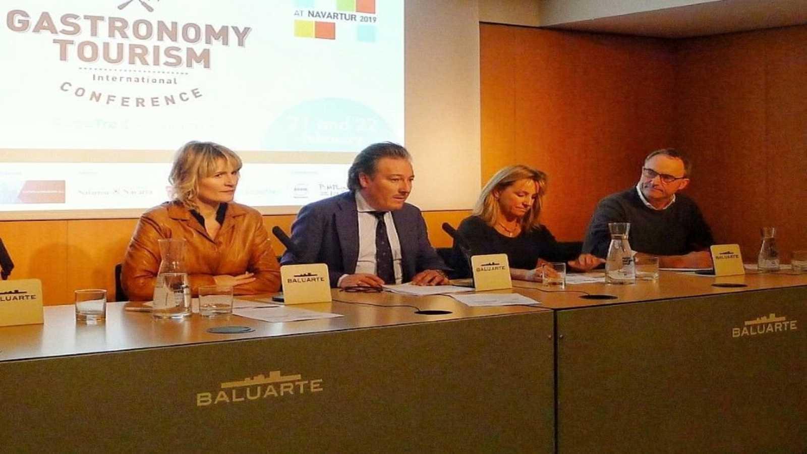 Degustar España - III Congreso Internacional de Turismo Gastronómico FoodTrex  - 22/02/20 - Escuchar ahora