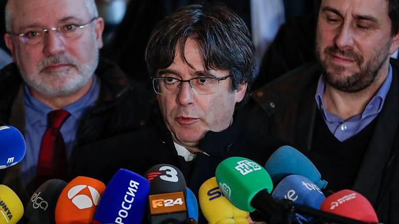 Boletines RNE - Francia rechaza un acto público de Puigdemont en Perpiñán - Escuchar ahora