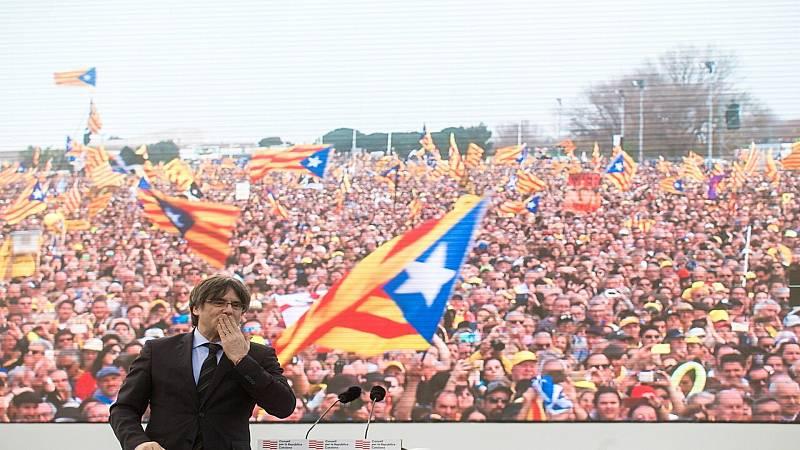 14 horas fin de semana - Acto multitudinario de Puigdemont en Perpiñán invitando a sostener un nuevo pulso con el Estado - Escuchar ahora