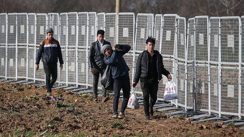 14 horas - Grecia blinda sus fronteras ante los refugiados procedentes de Turquía - Escuchar ahora