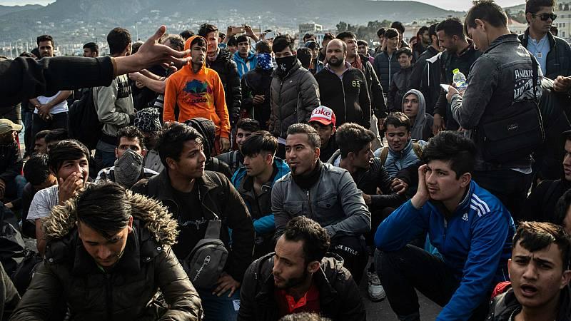 Las mañanas de RNE con Íñigo Alfonso - Vivir varado en Lesbos - Escuchar ahora
