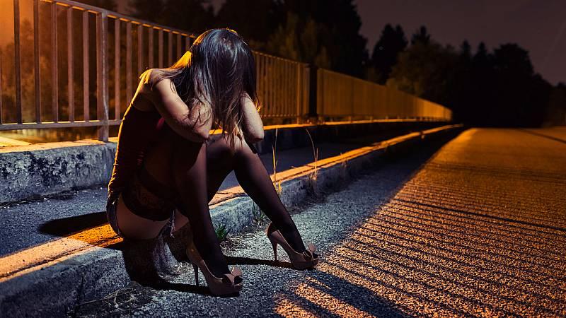 Las mañanas de RNE con Íñigo Alfonso - El 016 atenderá a victimas de explotación sexual - Escuchar ahora